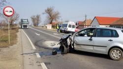 Accident între un microbuz și un autoturism pe drumul dintre Arad-Oradea