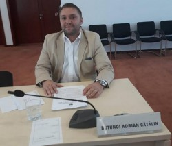 Consilierul judeţean PSD Butunoi revine cu mesaje grobiene