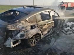Un autoturism s-a făcut scrum, între localitățile Zimand și Sântana