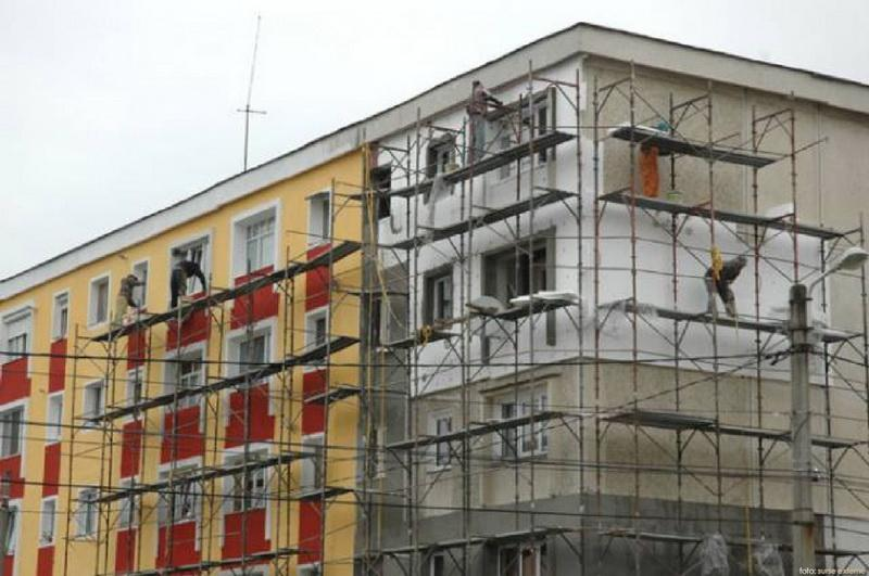 Nouă blocuri din municipiul Arad vor fi reabilitate termic,  valoarea investiției ridicându-se la  peste 12 milioane de lei