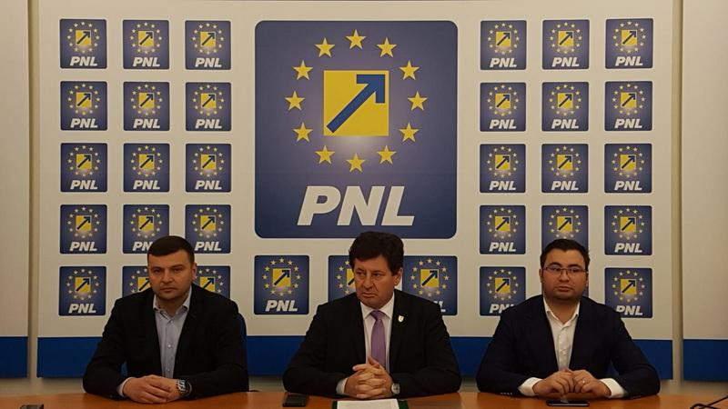 """Iustin Cionca: """"Parada miniștrilor PSD la Arad nu ajută cu absolut nimic arădenii sau dezvoltarea județului!"""""""