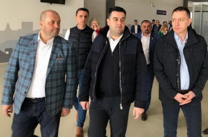 PSNews arată cum loveşte Guvernul Aradul, chiar în ziua vizitei ministrului transportului!