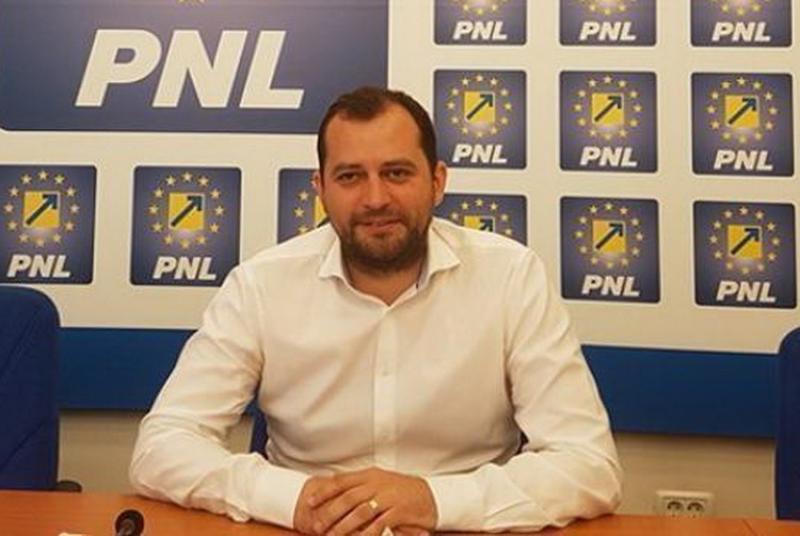 """Răzvan Cadar: """"Mineriada PSD pentru demolarea justiţie continuă cu propunerea lui Nicolicea ministru"""""""