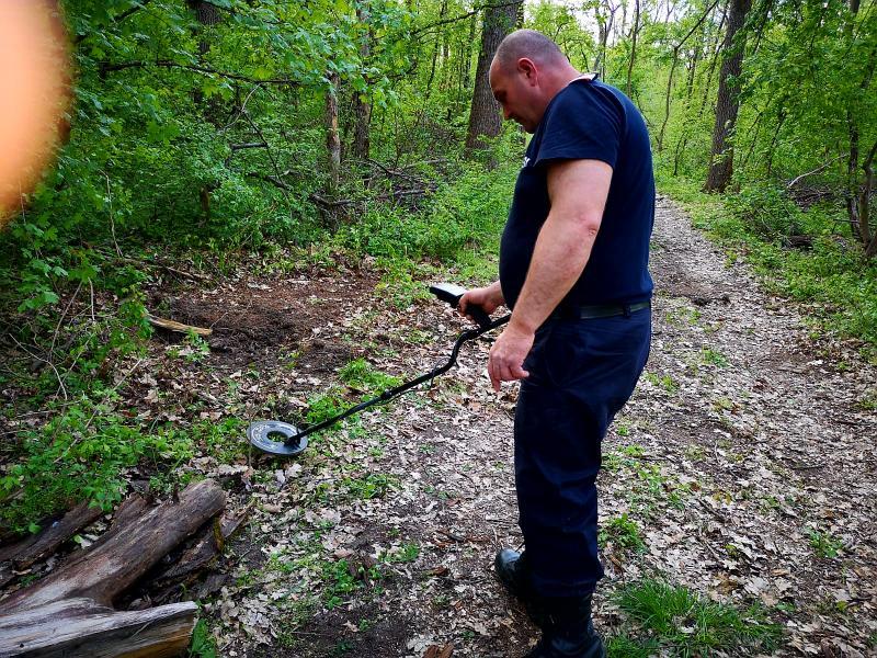 Un arădean a descoperit în pădurea Ceala cartușe de infanterie și a anunțat pompierii