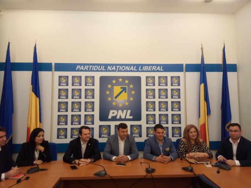 PNL fuzionează cu PACT!