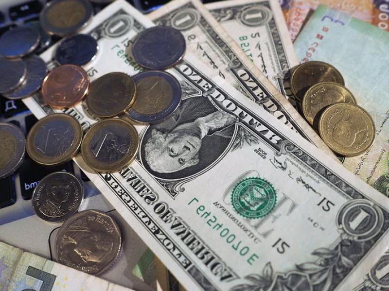 Dezastru valutar în joia mare! Cel mai puternic DOLAR din ultimii doi ani în faţa LEULUI!
