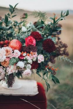 Vrei să-i surprinzi pe cei dragi? Iata 5 ocazii în care o florarie online este soluţia perfectă!