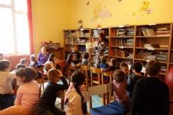 """Biblioteca județeană, un """"magnet"""" pentru elevii de la """"Școala altfel"""""""