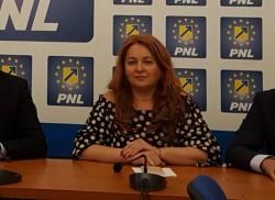 """Geanina Pistru : """"Sănătatea arădenilor nu contează pentru PSD!"""""""