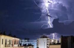 Seara de Înviere se anunță a fi cu ploi și vijelii