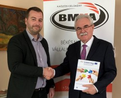 """Camera de Comerț, Industrie și Agricultură Arad anunţă proiectul transfrontalier: """"Cooperare transfrontalieră eficientă cu scopul creșterii ocupării forței de muncă în județele Arad și Békés"""""""