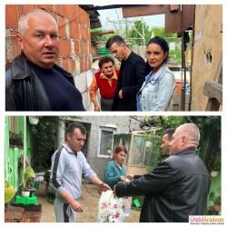 Iepurașul de la Grădinița Bambi din Arad, familia Istrate Dan, preoții Oneț Bogdan și Mureșan Teodor au împărțit cadouri unor familii nevoiașe