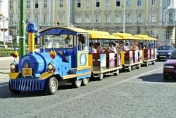 Trenulețul turistic reintră în circulație de la 1 Mai. Vezi traseul pe care-l va pargurge
