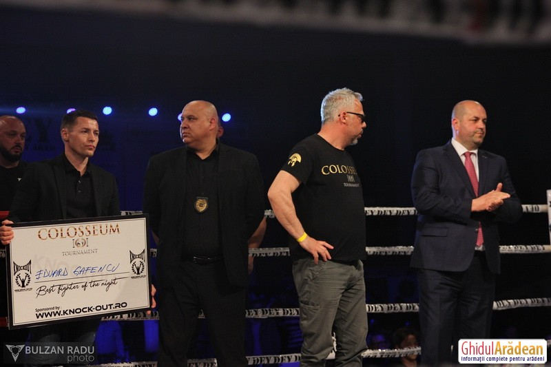 PSD-istii huiduiţi de o sală plină la Gala Colosseum Tournament de la Arad! Proastă inspiraţie să apară Fifor cu ministrul Daea !