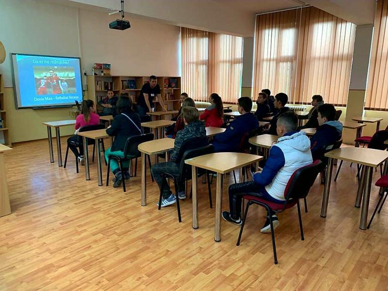 """Vineri 10 mai, Liceul Sportiv din Arad și-a """"Deschis Porțile"""" pentru elevi și părinți"""