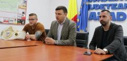 """Sergiu Bîlcea: """"Aradul găzduiește cel mai mare eveniment sportiv al anului, în kick-box!"""""""