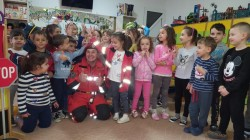 "La Grădinița P.P. ""Bambi"" din Arad a fost prezent, vineri 10 mai, Alexandru Nițu, paramedic al ISU Arad"