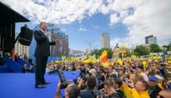 """Președintele României și PNL, mână în mână pentru 26 mai. Iohannis: """"PNL are cea mai tare echipă, cu cei mai buni candidați!"""""""