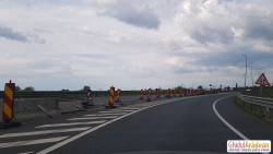 CNAIR incapabilă de 15 luni să înlocuiască parapeţii distruşi de pe A1 la ieţirea spre Zona Industrială Vest