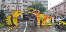 """Inundație de flori, pe ploaie, la Festivalul """"FlorAr"""""""