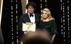 """Cannes 2019. """"Parasite"""", al lui Bong Joon-ho, primul film sud-coreean care a primit Palme d Or! Lista completă a câștigătorilor"""