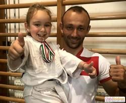 Antrenorul de judo,Sebastian Rus s-a întors acasă împreună cu sportivii săi, cu 3 medalii de aur, 1 de argint și 3 medalii de bronz