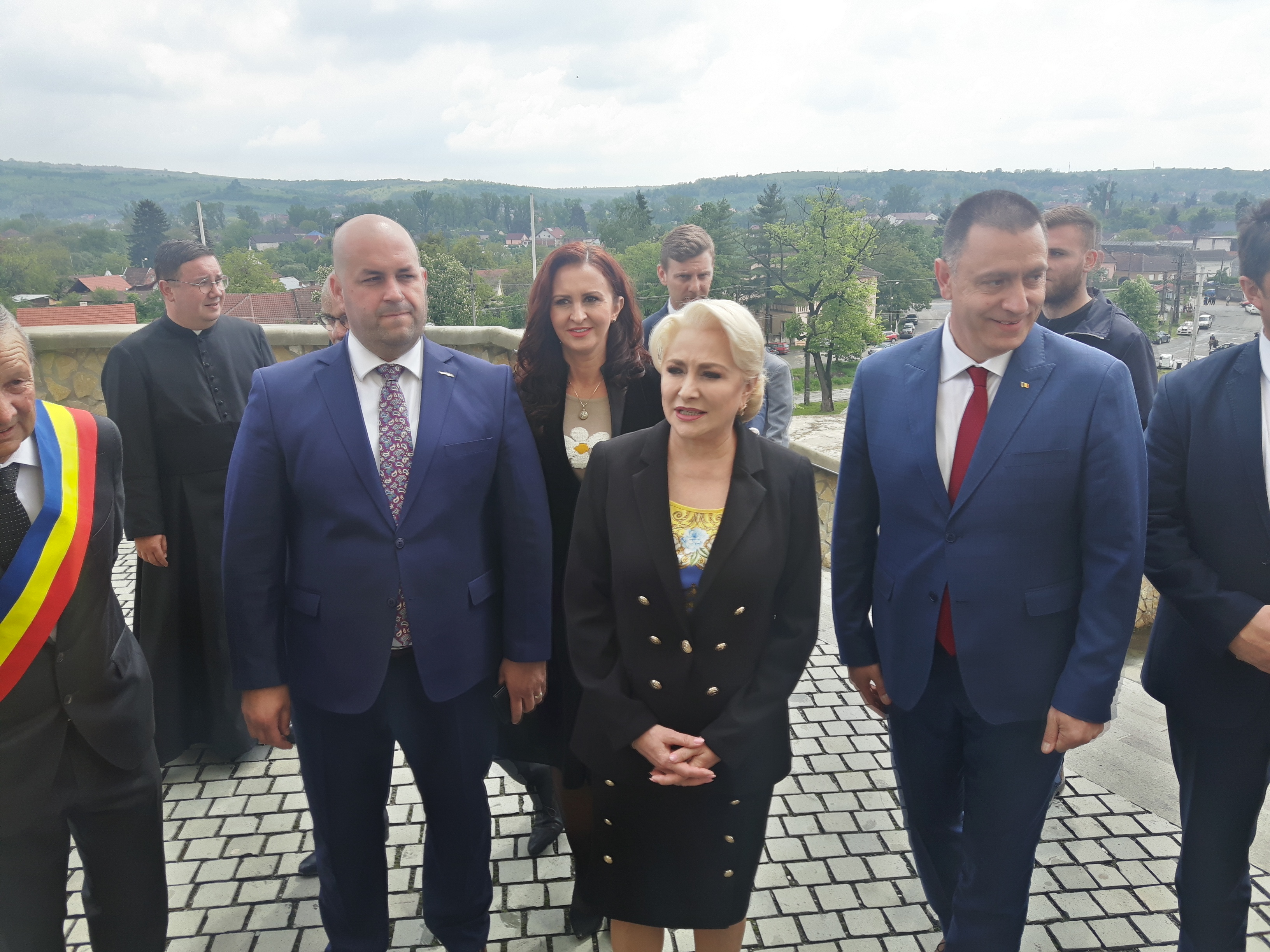 Guvernul PSD pregăteşte concedieri masive şi tăieri de salarii!