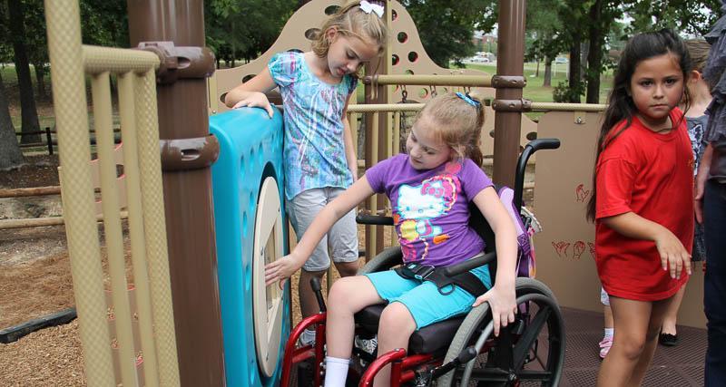 Două case de tip familial și un centru de zi pentru copiii cu dizabilități mentale se vor construi din fonduri europene