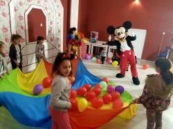 Peste 100 de copii au sărbătorit 1 IUNIE la Căminul Cultural din Mândruloc