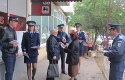 Polițiștii arădeni informează cetățenii cu privire la aspectele violenței în familie în cadrul Săptămânii Prevenției Criminalității