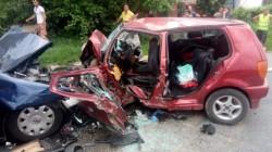ACCIDENT în Hunedoara: Două persoane decedate şi una grav rănită, după ciocnirea frontală a două autoturisme