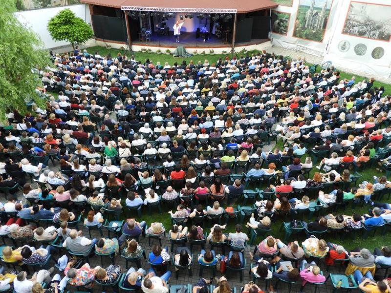 Maia Morgenstern, Marius Bodochi, Tania Popa și Andreas Petrescu au adus peste 1000 de arădeni la Tetrul de Vară miercuri seara