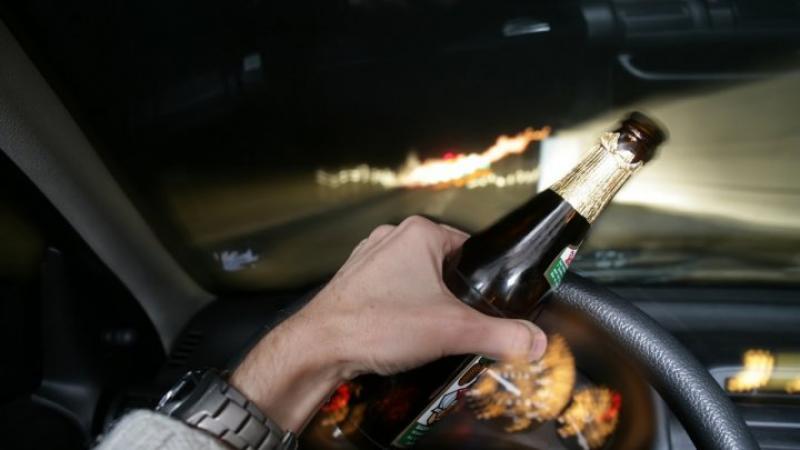 Accident în Ghioroc după ce șoferul vinovat a condus băut