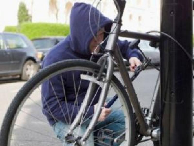 Hoț prins după ce în urmă cu două luni a furat o bicicletă din Arad