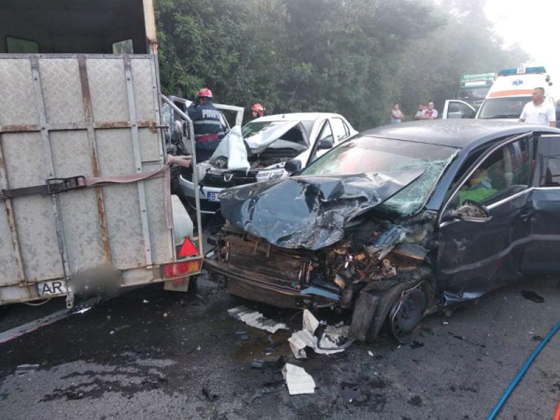 Accident grav la Bătuța cu trei mașini implicate. Un bărbat a murit!