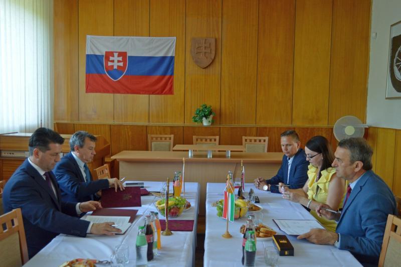 Acord de colaborare între patru oraşe din trei ţări