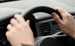 Șofer de 15 ani pe străzile Aradului! Concurs de infracțiuni cu trei minori care au furat o mașină, bani și acte în Șiria