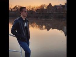Cine este tânărul care s-a sinucis ieri decapitat de tren