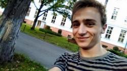 Adolescentul din Oradea, care s-a spânzurat după Bacalaureat, a luat peste 9 la examen. Fusese deja admis la o universitate din China