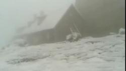Peisaj de IARNĂ la munte. A nins viscolit în Masivul Bucegi şi la Bâlea Lac