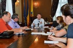 Şedinţa ordinară la lunii august cu principalele proiecte de hotărâre discutate în prealabil de primarul Bibarț în conferința de presă