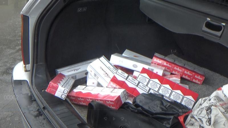 150 pachete de țigări de contrabandă, confiscate la Piața Mihai Viteazul