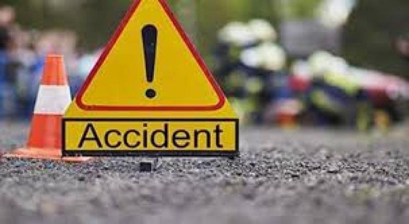 Accident cu o victimă la ieșirea din Arad. Două microbuze și un TIR s-au lovit