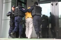 Doi urmăriți internațional și național, prinși de polițiștii arădeni