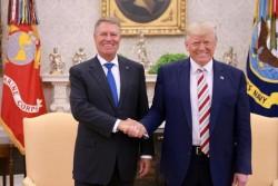 Iohannis la Casa Albă: declarație comună cu Donald Trump și cadoul primit de la președintele SUA