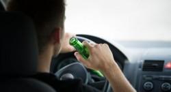 PERICOL pe drumurile din Ineu ! Un tânăr de 18 ani prins la volan băut și fără permis de conducere