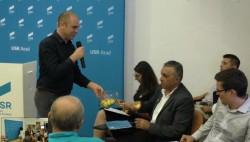 """A început comedia – competiţia internă USR pentru Primăria Arad, un delirium tremens de """"selectarea colectivă"""" a perlelor"""