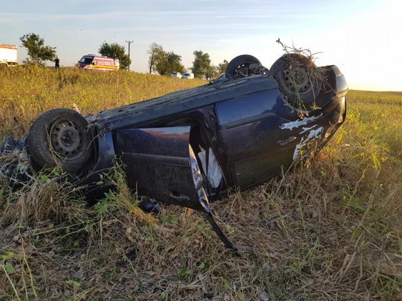 Accident cu mașină răsturnată între Șagu și Vinga