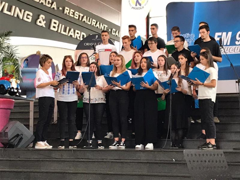 """Elevii Corului """"Eutherpe"""" a Colegiului de Arte """"Sabin Drăgoi""""  din Arad au participat la Festivalul Internațional """"George Enescu"""""""