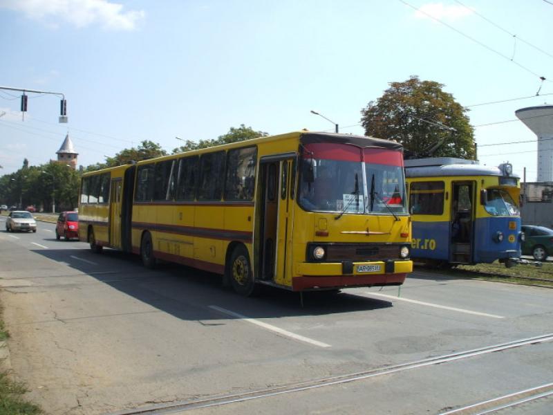 12 autobuze pleacă, în sfârșit, de la Compania de Transport Arad. Unele au chiar și peste 1.700.000 de km parcurși